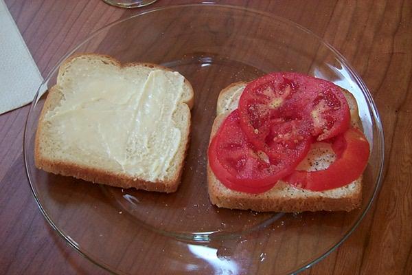 tomato-sandwich-2010-3.JPG