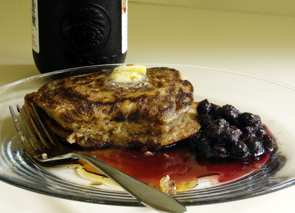 S-hot cakes and blackberry