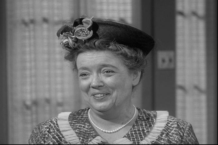 first_episode_aunt_bee_10101.jpg
