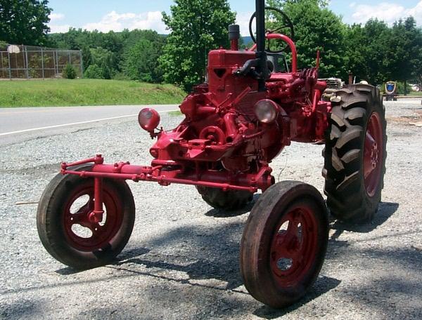 w10-tractor-623.JPG