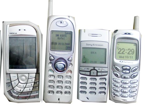 800px-several_mobile_phones.jpg