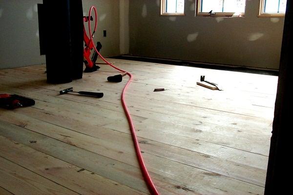 s-nailing-floor-2009-04-07-1.JPG